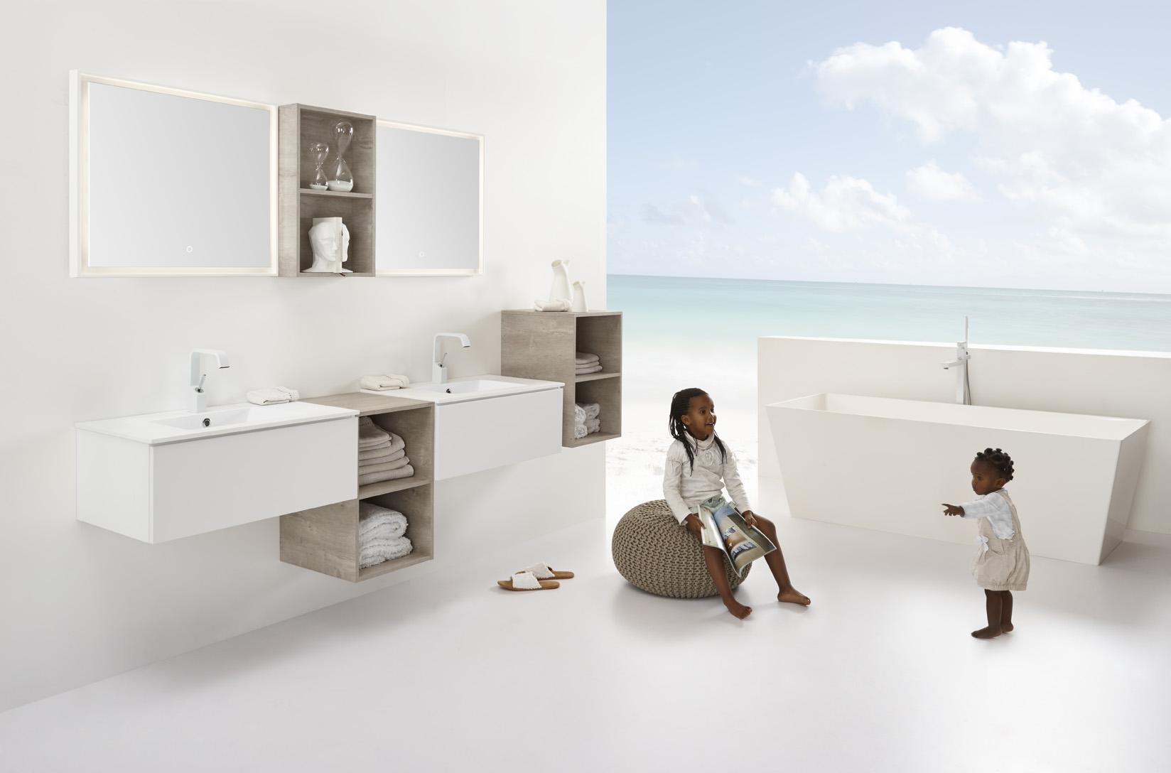 Stel zelf je badkamermeubel samen met badmeubel-serie No Limit van Detremmerie. Kies uit ruim 250 types onderbouwkasten, ruim 300 wastafelbladen, ruim 80 spiegels en ruim 110 spiegelkasten, ruim 100 kolomkasten en dit alles in 37 kleuren en met 7 verlichtingen naar keuze.