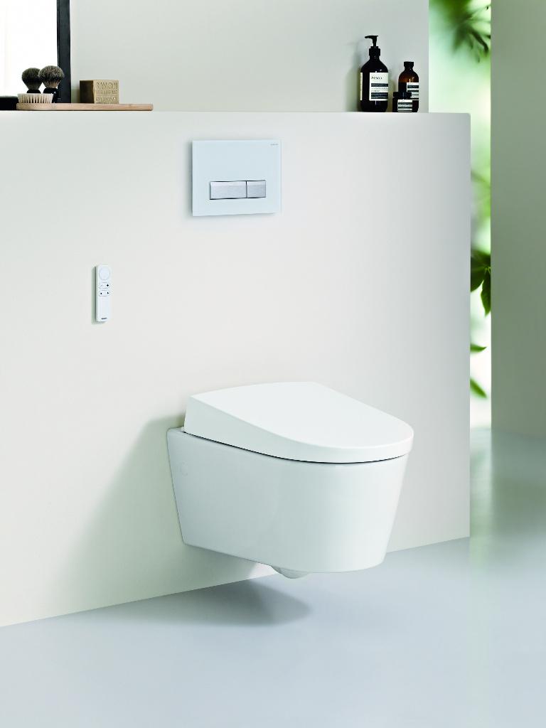Geberit toilet Domotica met douchewc, föhn en afstandsbediening