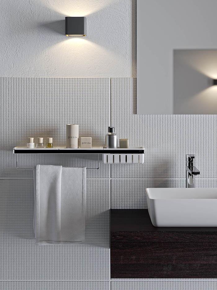 Geesa Frame planchet voor de badkamer met handdoek rek