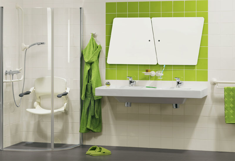 Badkamer met aangepast sanitair Handicare