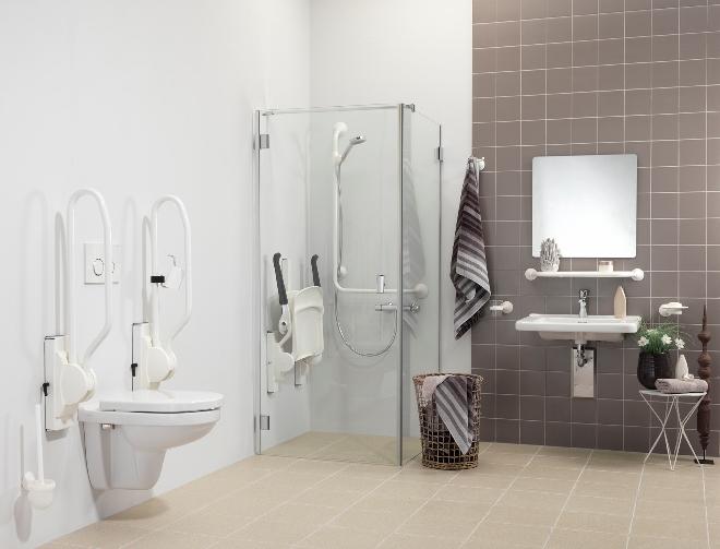 Een veilige badkamer met aangepast sanitair Handicare