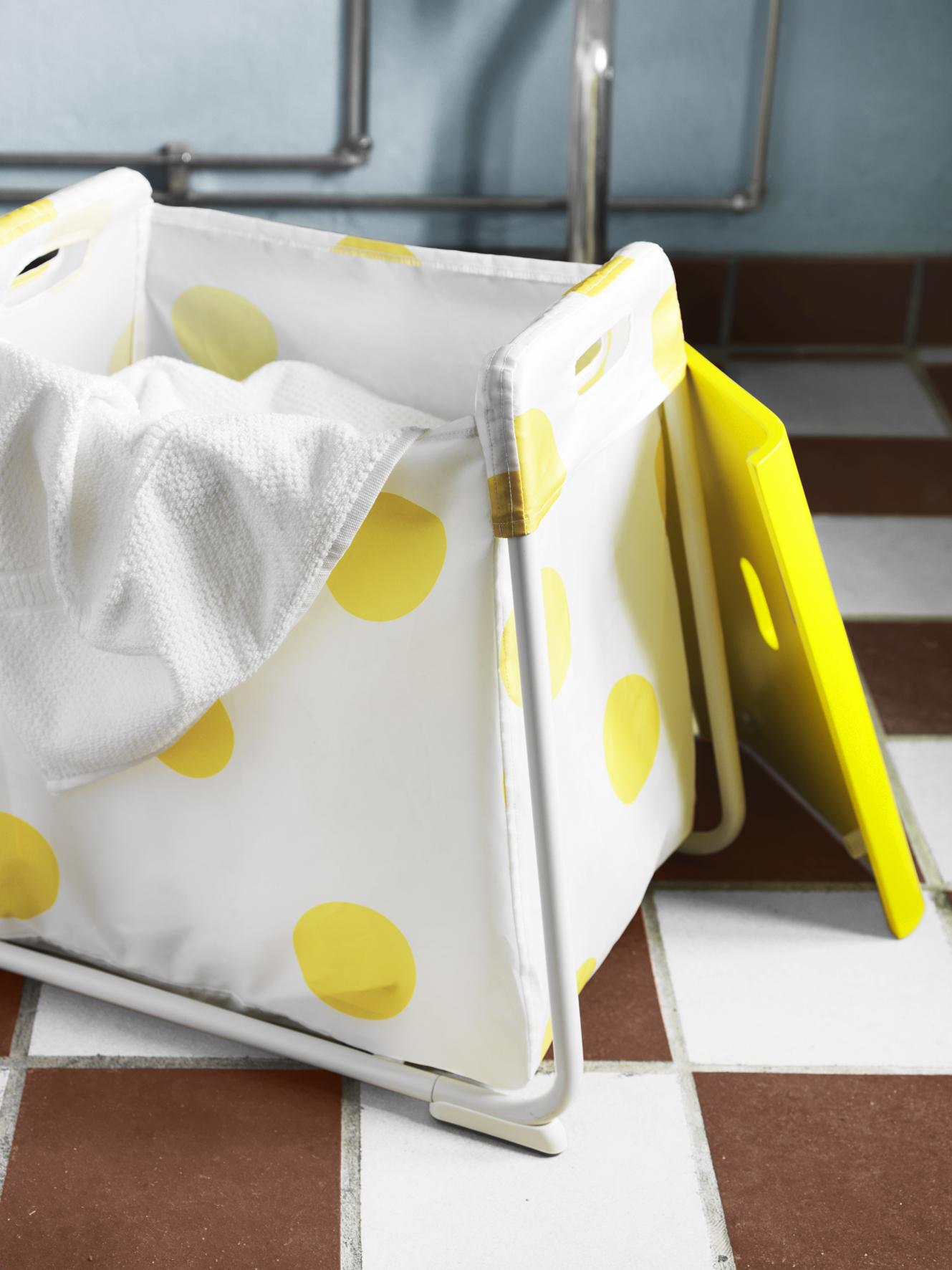 IKEA opstapkrukje badkamer met handige opbergmogelijkheid GLOTTEN