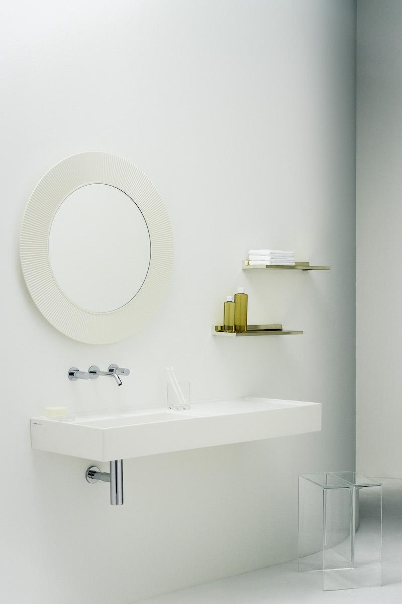 Badkamer design Kartell by Laufen #wastafel #spiegel #badkamer #saphirkeramiek #kartellbylaufen #design