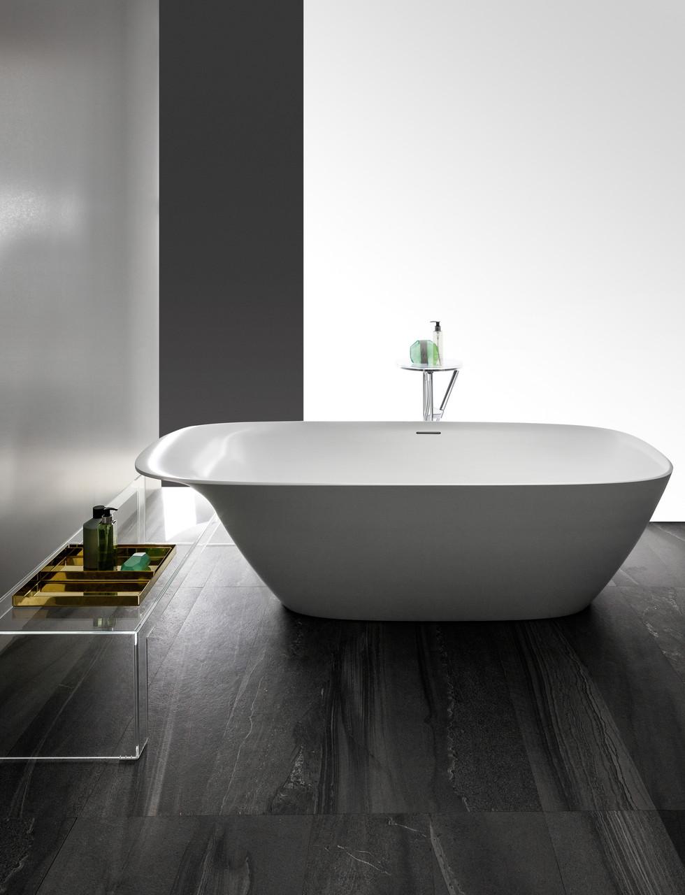 Bad uit de badkamercollectie Ino van Laufen #badkamer #badkamerinspiratie #laufen #bad