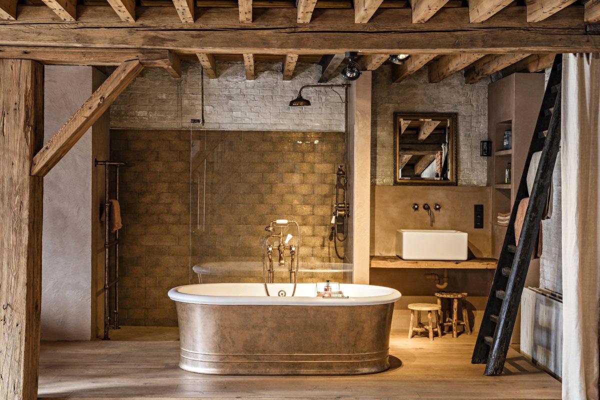 Retro sanitair in de badkamer voor een industriële stijl. Kenny & Mason via Laurens