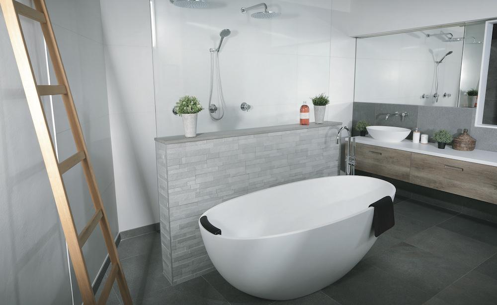 Welk bad is geschikt voor jouw badkamer? #bad #badkamer