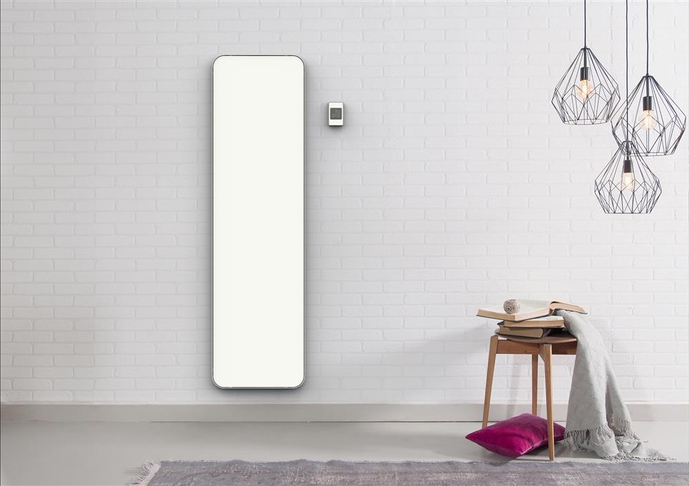 Moderne elektrische badkamer radiator Eclipse Slim van DAS via Luca Sanitair #badkamer #radiator