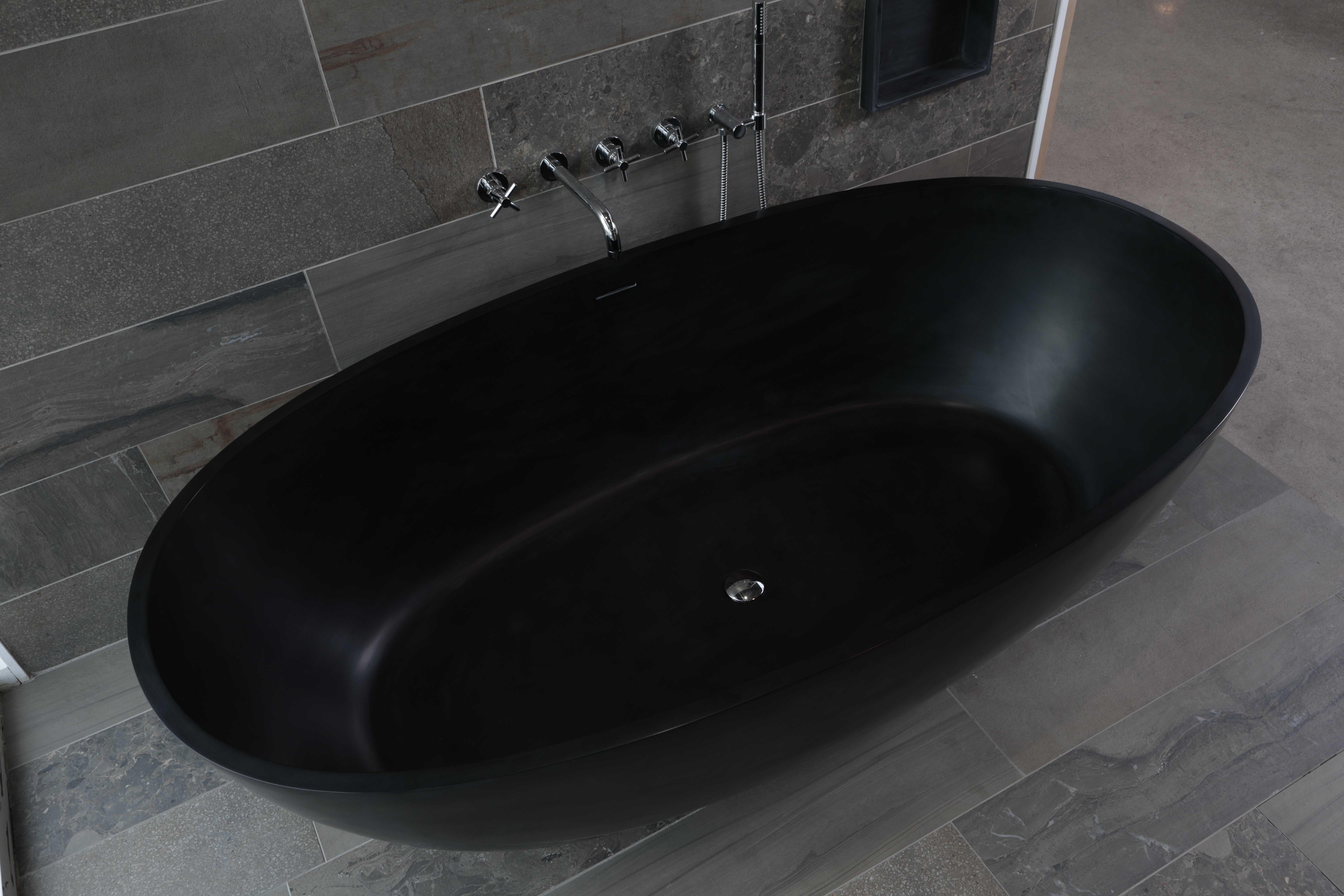 Gespot vrijstaand bad in prachtige antraciet kleur nieuws startpagina voor badkamer idee n - Badkamer meubilair merk italiaans ...