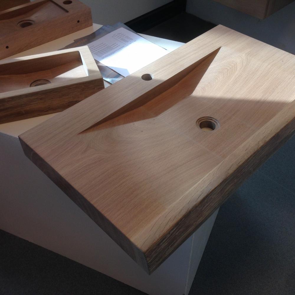 Massief eiken houten wastafelblad met ingefreesde wastafel van LucaWood