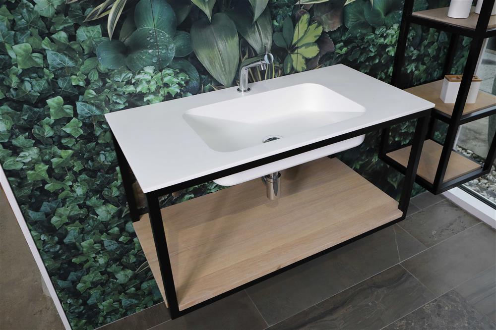 Italiaans design in de badkamer. Luca Steel stalen frames voor de wastafel #luca #badkamer #madeinitaly