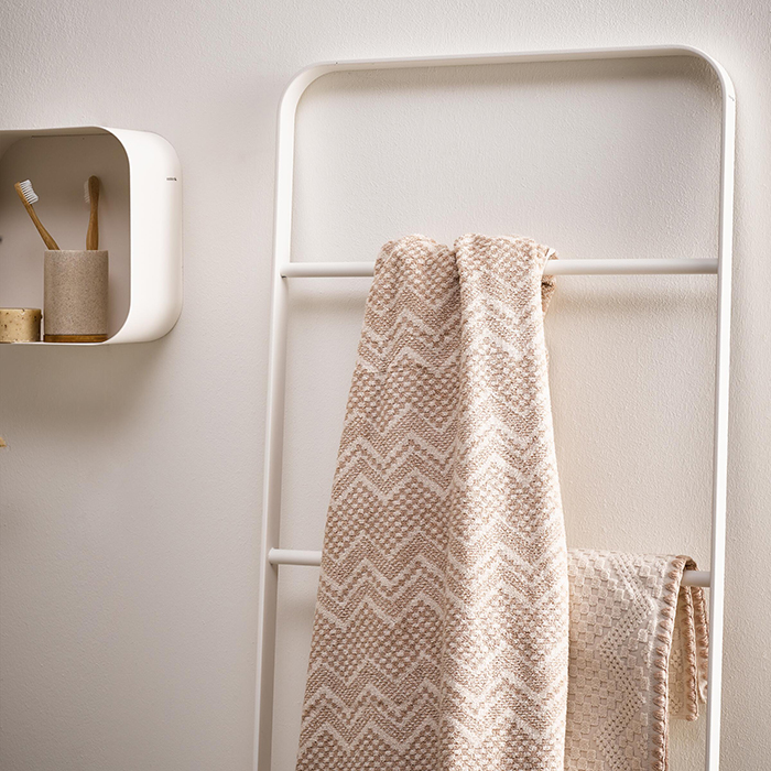 Badkameraccessoires. Sealskin Brix decoratieve ladder voor handdoeken in de badkamer of slaapkamer #badkamer #badkameraccessoires #sealskin #brix #badkamerinspiratie