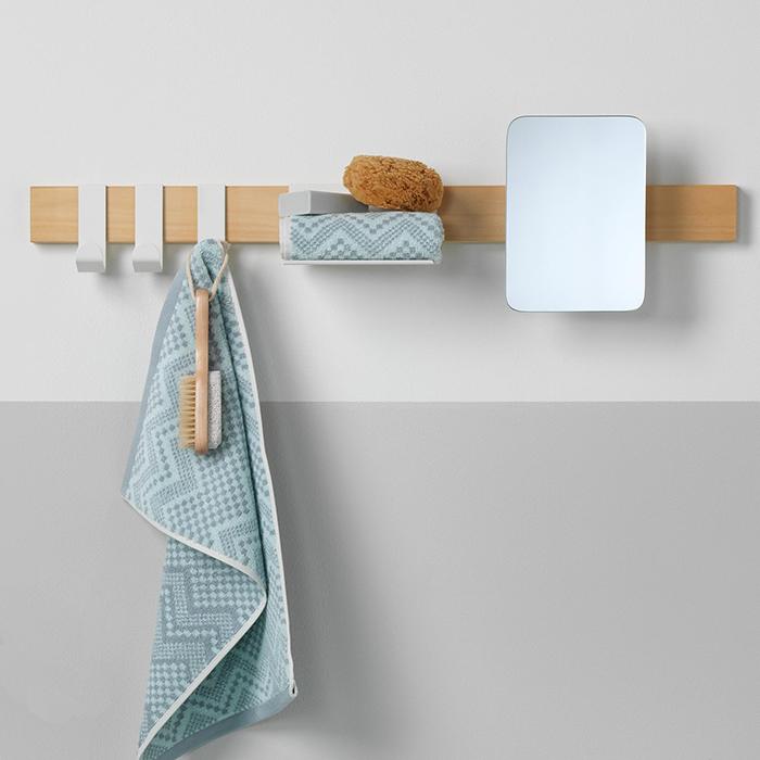 Badkameraccessoires. Sealskin Brix wandplank met haken en spiegel #badkamer #badkameraccessoires #sealskin #brix #badkamerinspiratie