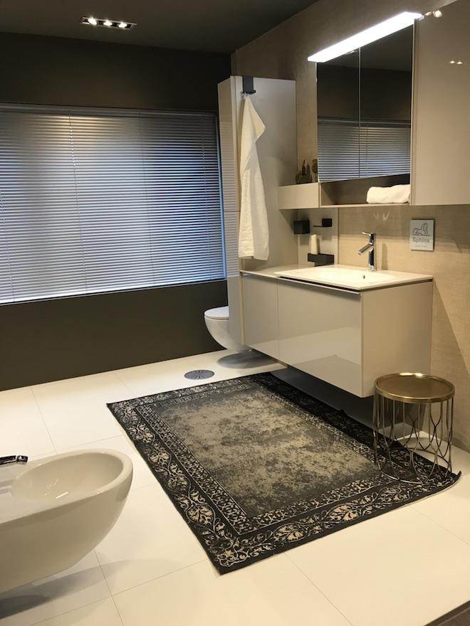 Een badkamer voor iedereen met het innovatieve badkamermeubel Acanto van Sphinx #badkamermeubel #badkamer #sphinx