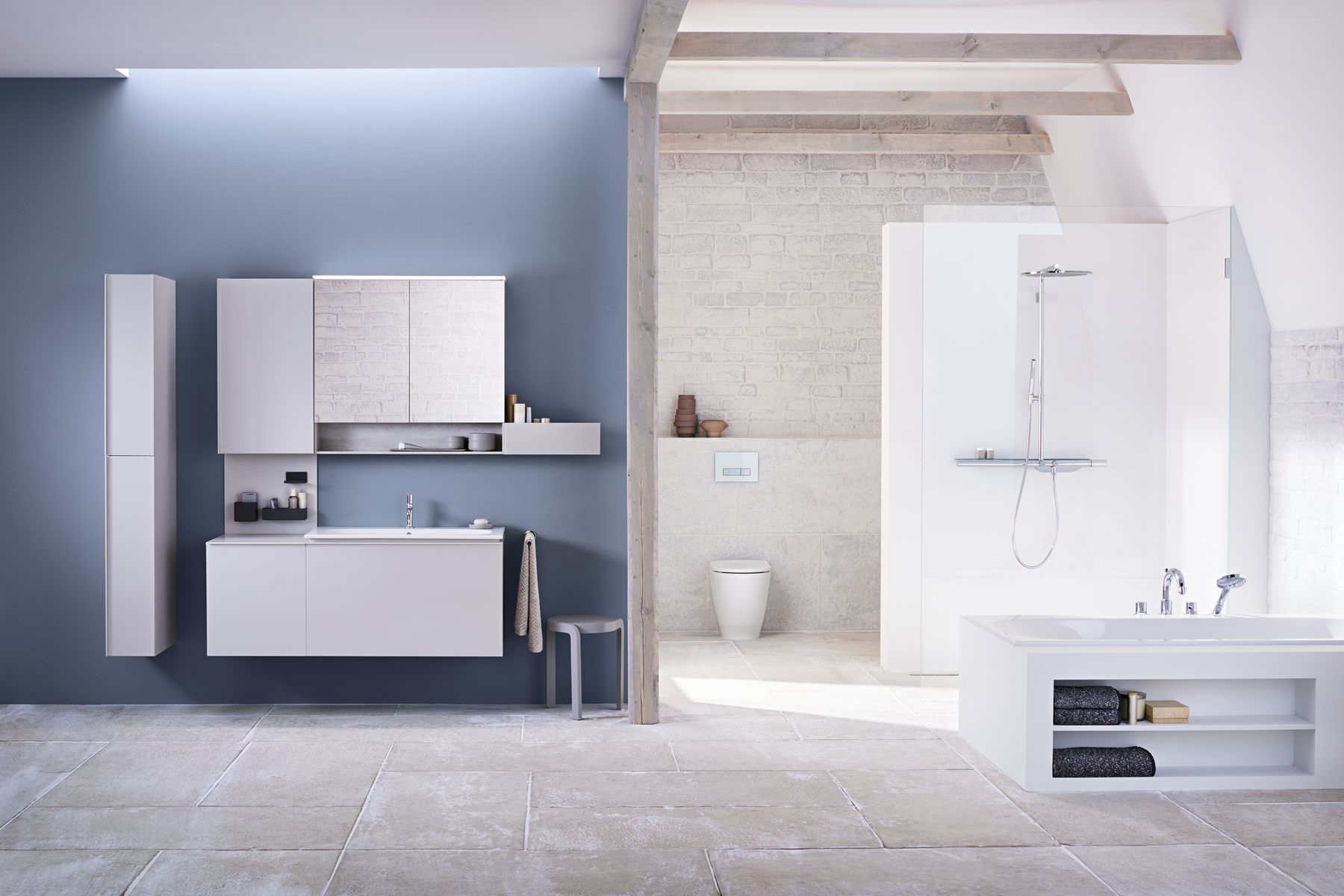 Sphinx badkamer. Badkamer inrichting met luxe, comfort en voldoende opbergruimte met Acanto badkamermeubel. #sphinx #badkamer #acanto #badkamermeubel
