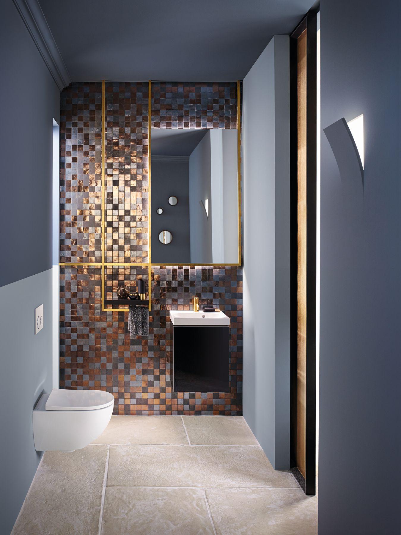 Toiletruimte met toilet en badkameubel van Sphinx #sphinx #toilet #interieur # badkamermeubel #acanto