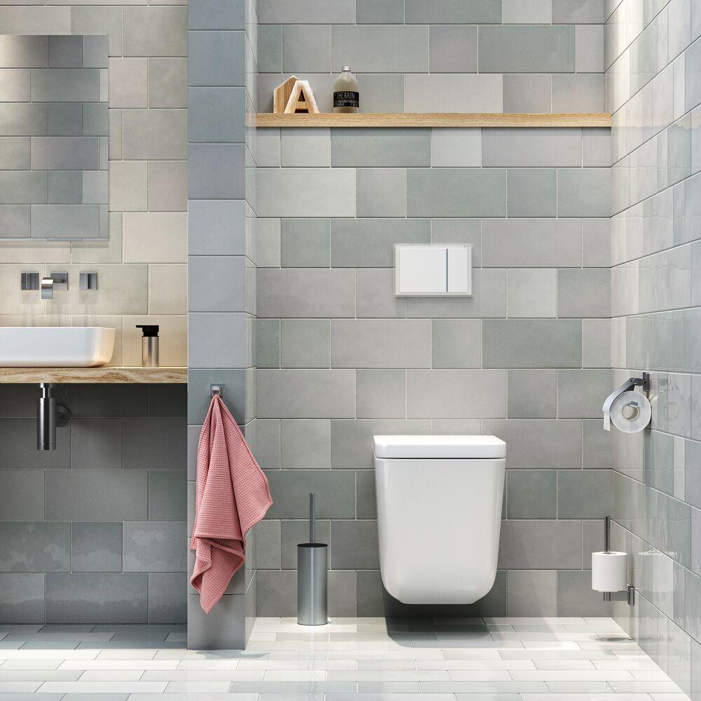 Zonder te boren je toiletrolhouder, handdoekhaakjes en andere accessoires op het toilet ophangen met Tigerfix van Tiger #tigerfix #tiger #toilet #accessoires #badkamer