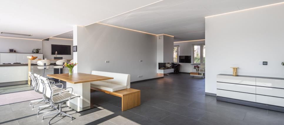 Het automatische vloerverwarmingssysteem Fonterra Smart Control is een typisch voorbeeld van slimme functionaliteit. #viega #vloerverwarming