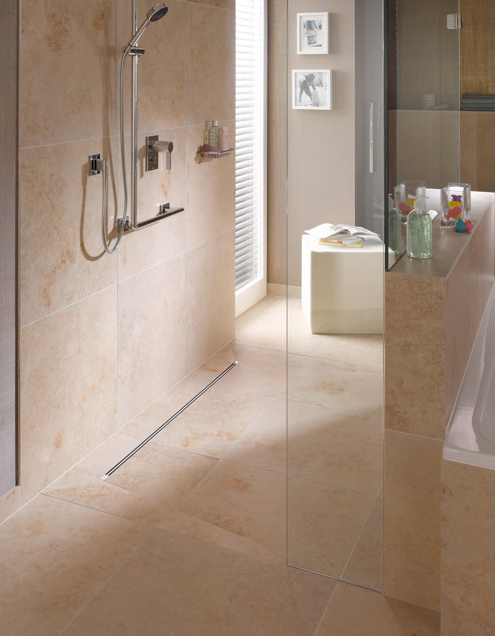 Een comfortabele badkamer voor jong en oud met viega nieuws startpagina voor badkamer idee n - Moderne badkamer met italiaanse douche ...