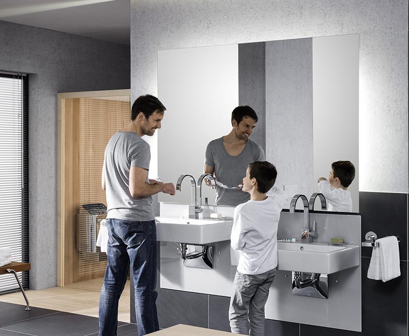In hoogte verstelbare wastafel voor jong en oud - de levensloopbestendige badkamer met badkameroplossingen van Viega
