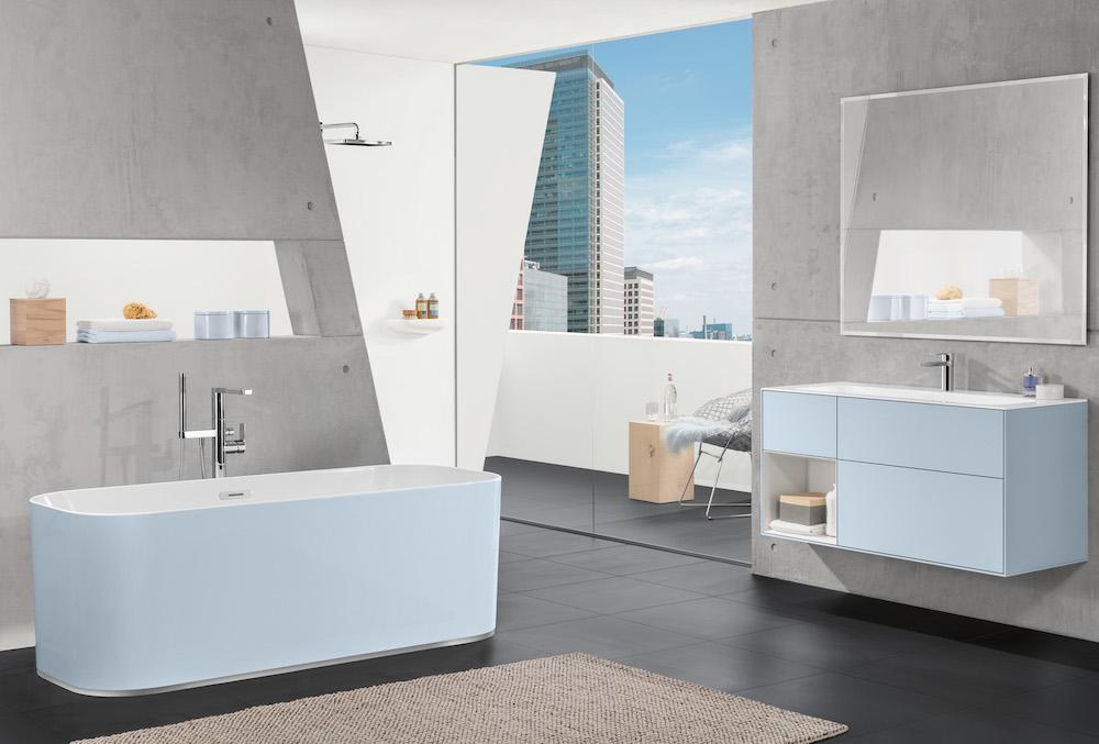 Kom tot rust in een Villeroy & Boch badkamer in pasteltinten. De badkamercollectie Finion in de kleur Cloud #badkamer #badkamerinspiratie #pasteltinten #villeroyboch #bad #badkamermeubel