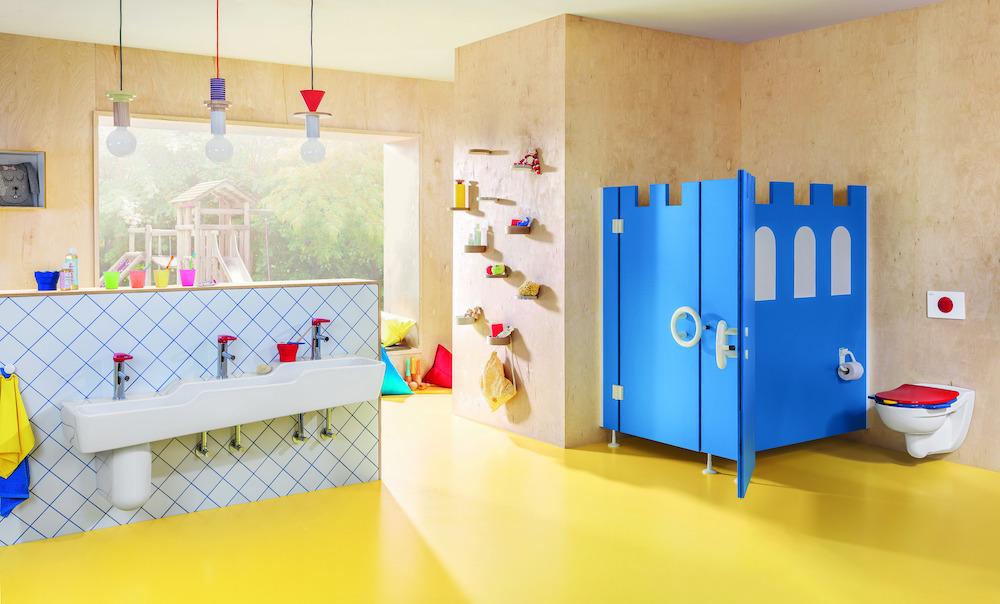 Badkamer met sanitair speciaal voor kinderen van Villeroy & Boch. O.novo innovatieve en kindervriendelijke sanitair-collectie #villeroyboch #onovo #kinderen #badkamer #kinderbadkamer #badkamerinspiratie #kleur