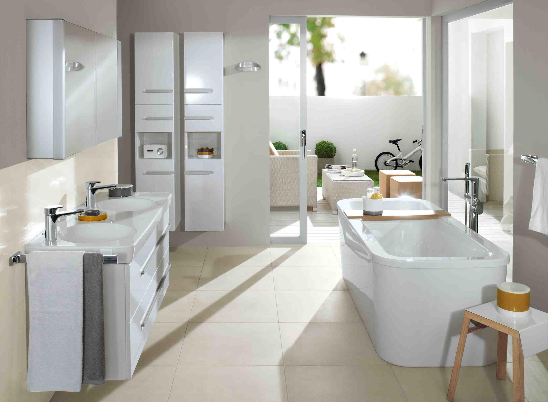 badkamertrend het vrijstaande bad nieuws startpagina. Black Bedroom Furniture Sets. Home Design Ideas
