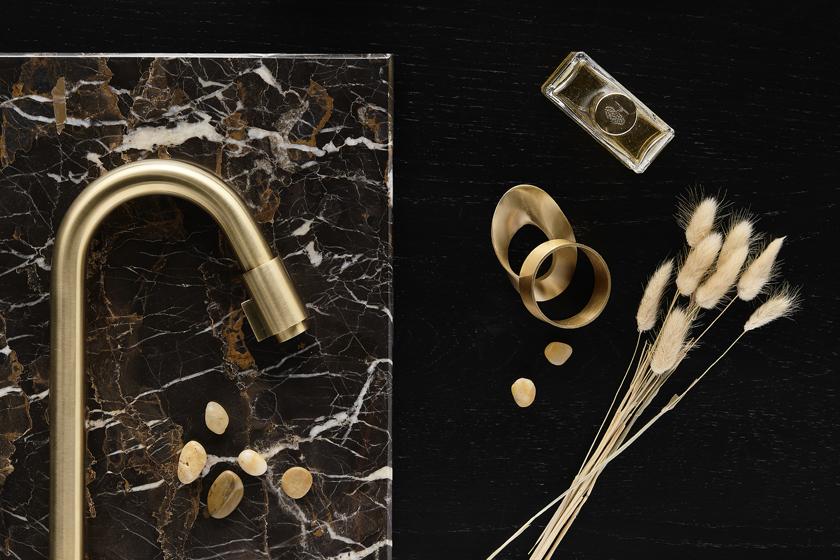 Trend voor je badkamer: rosé gold en goud #badkamer #badkamertrends #x2o #kranen