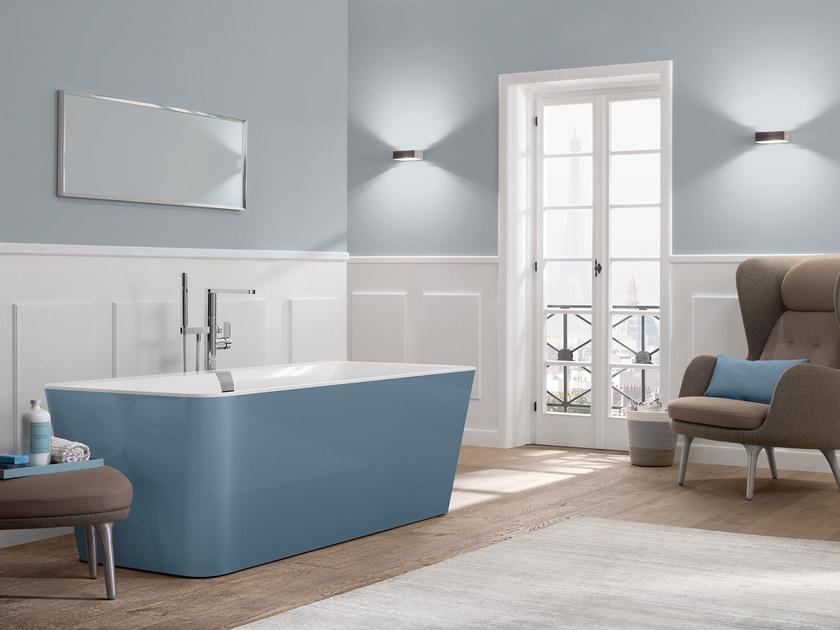 Villeroy & Boch bad Squaro edge in het blauw. Kleur in de badkamer! #bad #badkamer #badkamerinspiratie