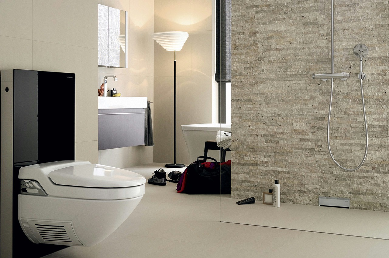 Badkamer met toilet Geberit Monolith via Bidetdouche.nl