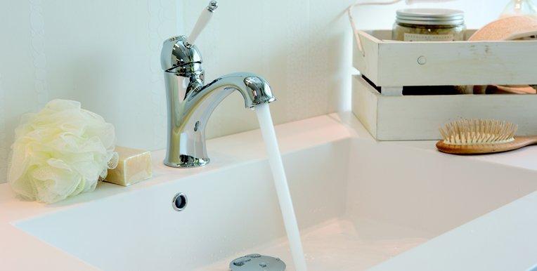 Badkamer Kraan Vervangen : Een romantische badkamer met de tradition kraan nieuws