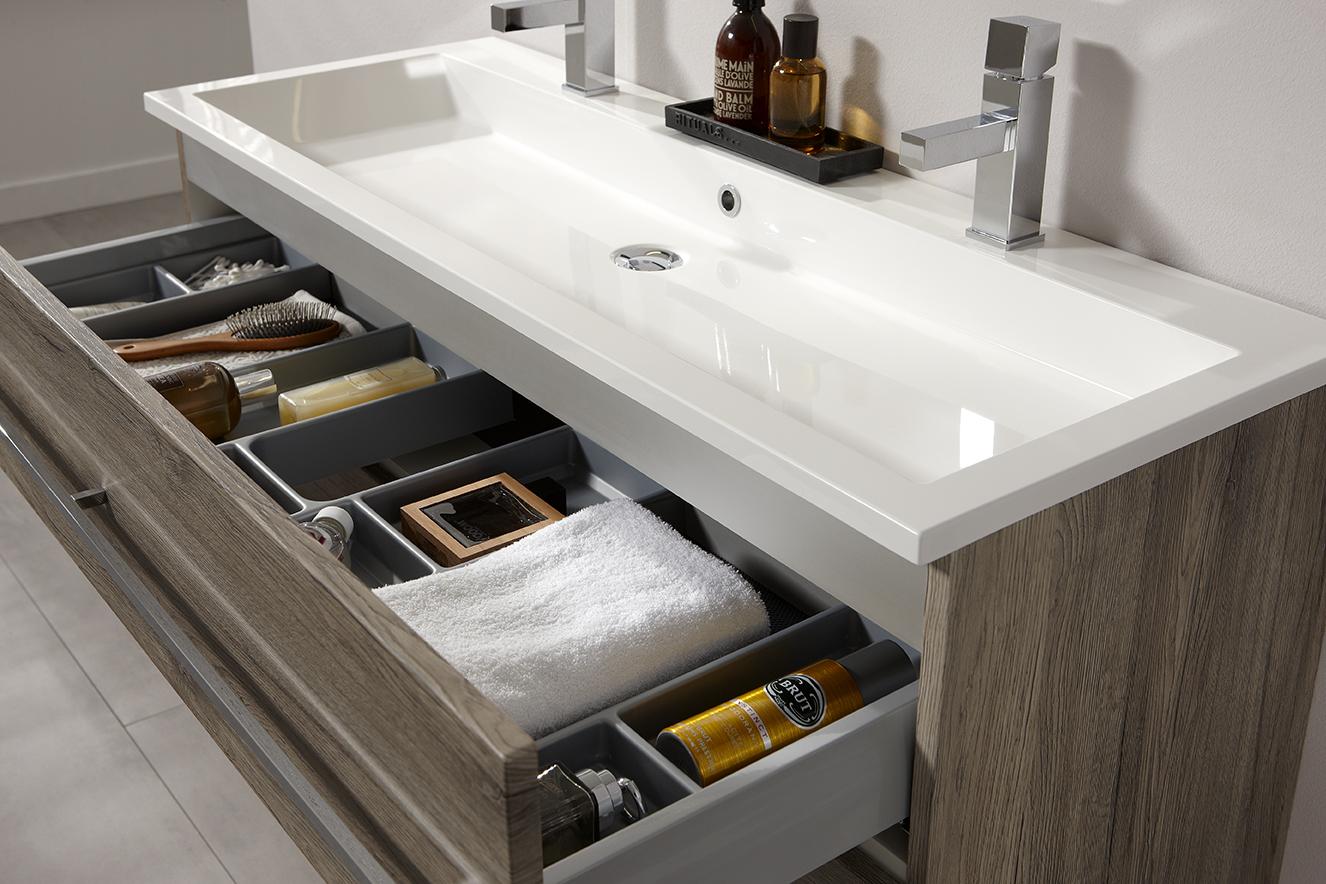 badkamermeubels met warme houtkleur van thebalux nieuws