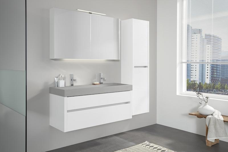 Beton in de badkamer: badkamermeubel Beat 2.0 met betonnen wastafel en wit meubel #thebalux #badkamer #badkamermeubel #wastafel #beton #badkamertrends