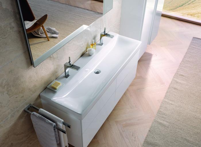 Badmeubel serie Sphinx 420 met vlakke wastafel voor twee personen #badkamer