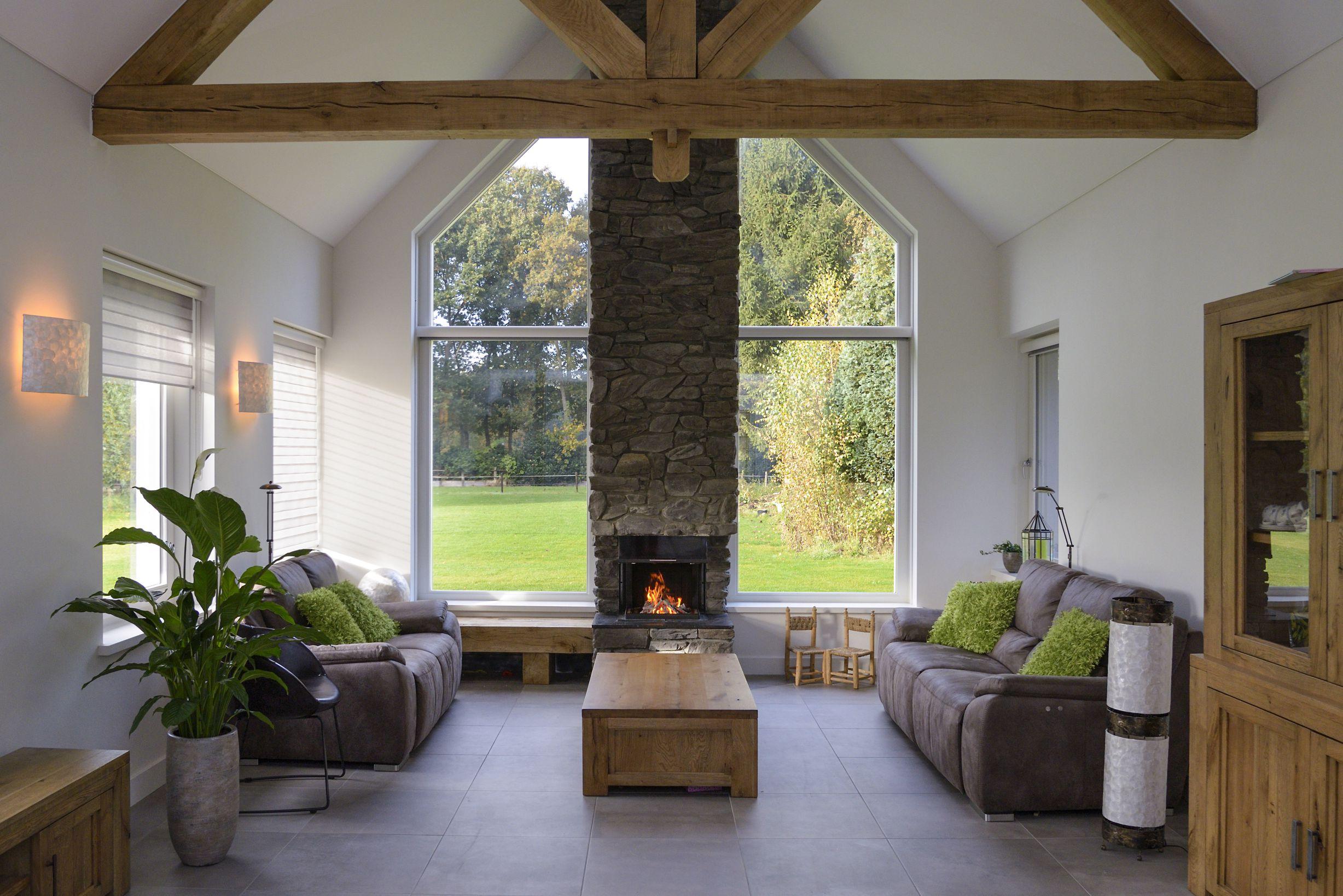 Kan je een haard plaatsen in een goed geïsoleerde nieuwbouw woning? Ja, dat kan. In dit artikel lees je er alles over #haard #inbouwhaard #nieuwbouw #isoleren