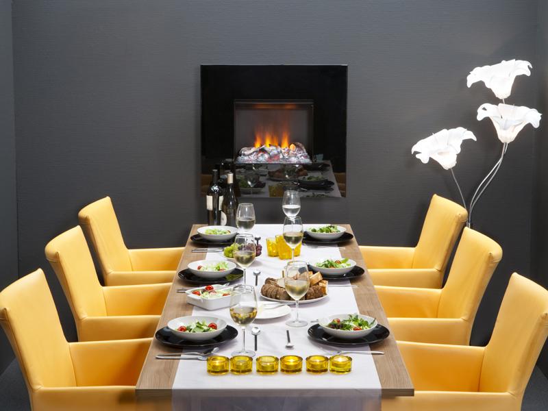 Keuken met hanghaard met (elektrisch) optisch vuur Faber opti-myst