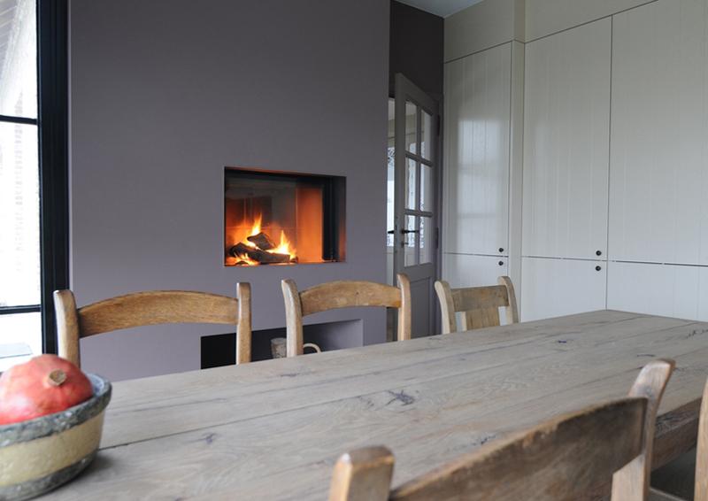 Keuken met liftdeurhaard van M-Design