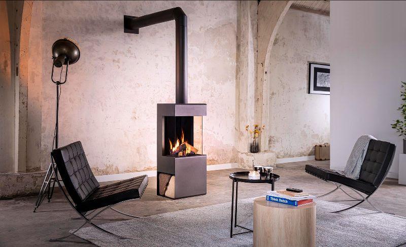 Vrijstaande gashaard Helex Tourmaline met open zijkant voor houtblokken of accessoires. Gashaard met wi-fi bediening en afstandsbediening #gashaard #helex #tourmaline #interieur
