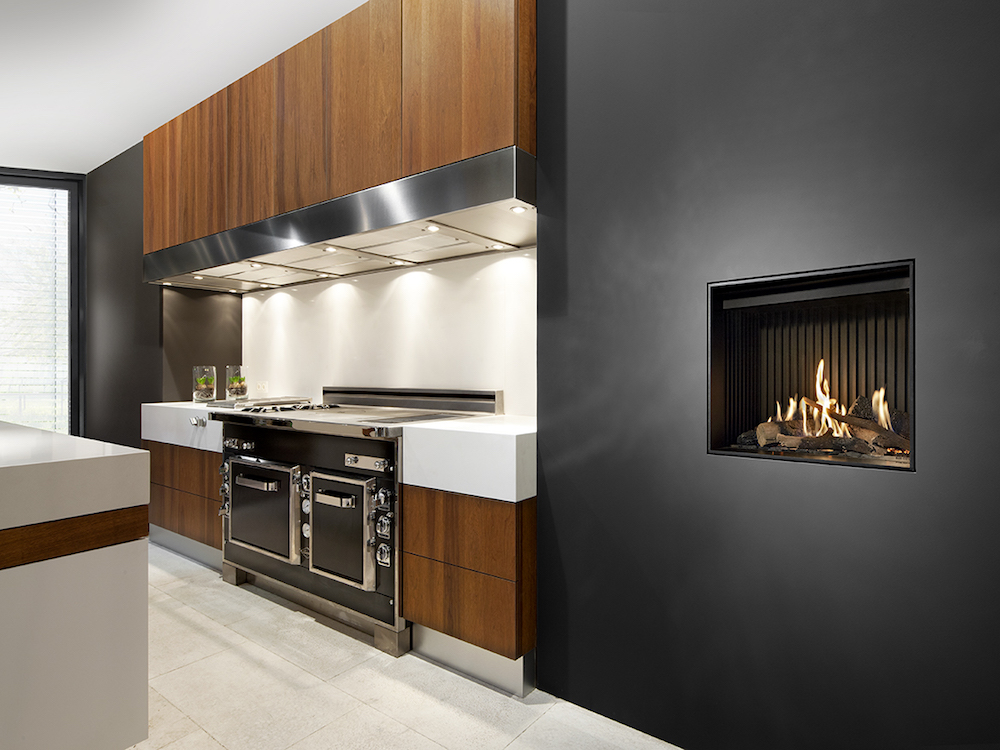 Haarden-trends voor deze winter - gashaard Kalfire G60-48F Designhaard in keuken #gashaard #kalfire #interieur #haard