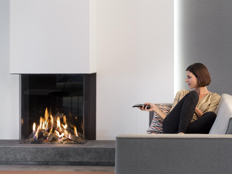Haarden-trends voor deze winter - gashaard Kalfire GP70-75s Designhaard met spark generator voor realistisch vuurbeeld  #gashaard #kalfire #interieur #haard