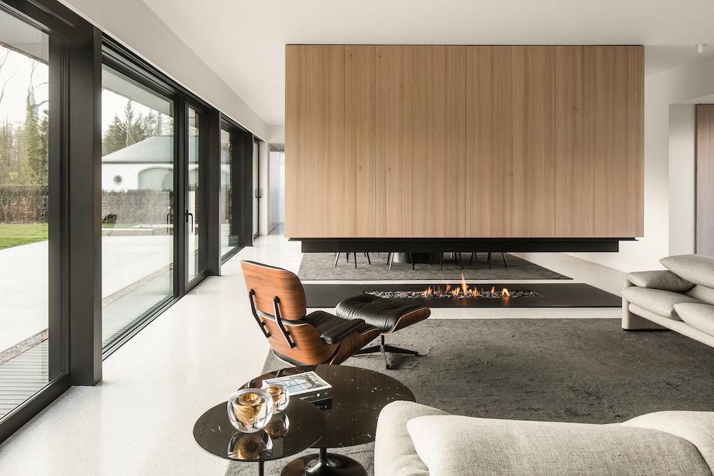 Metalfire doorkijkhaard design - foto cafeïne #interieur #doorkijkhaard #haard #designhaard #metalfire #cafeine #architecture