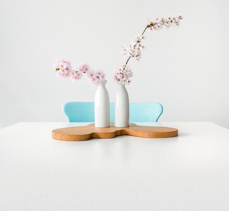 Werkblad Dekton Nayla voor de keuken met matte witte kleur voor een heldere look in de keuken #werkblad #keuken