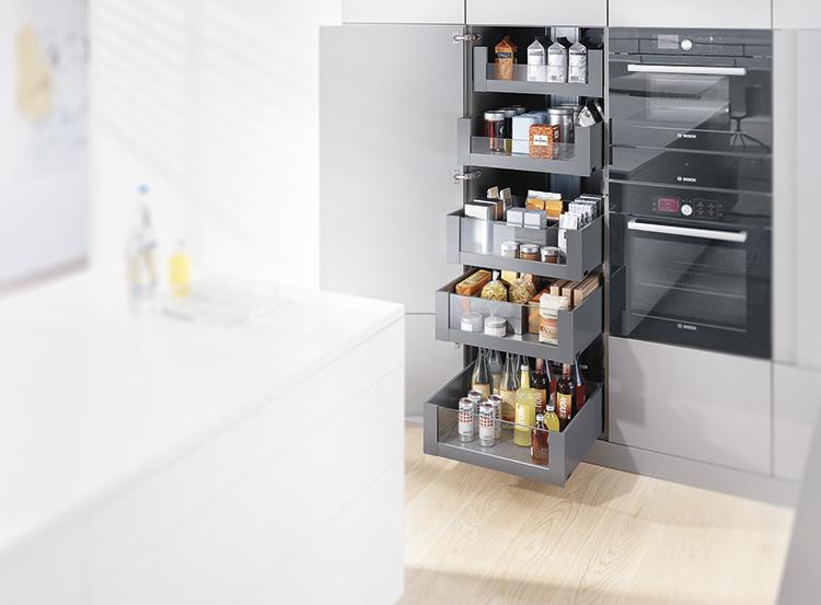 extra opbergruimte met de nieuwe voorraadkasten van blum nieuws startpagina voor keuken idee n. Black Bedroom Furniture Sets. Home Design Ideas