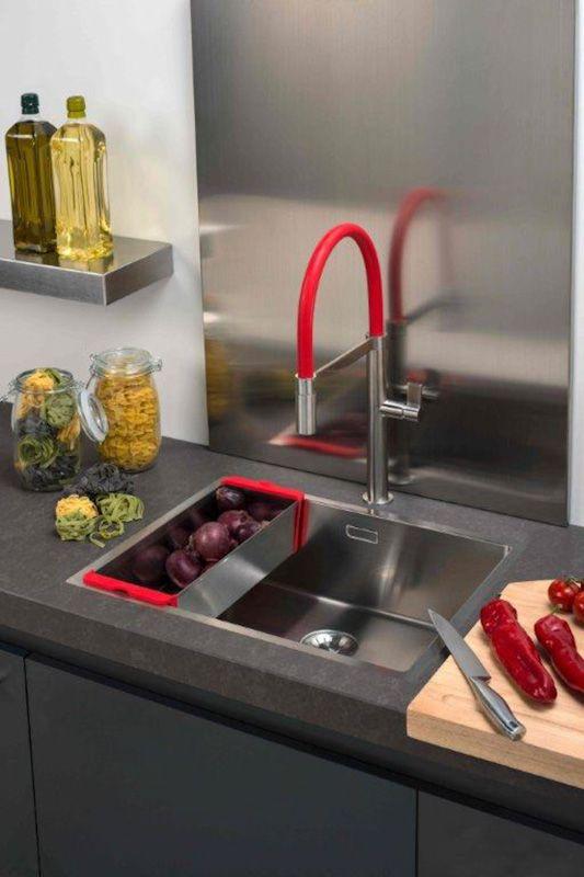 Kleur in de keuken met caressi colours nieuws startpagina voor keuken idee n uw - Keuken in rood en wit ...