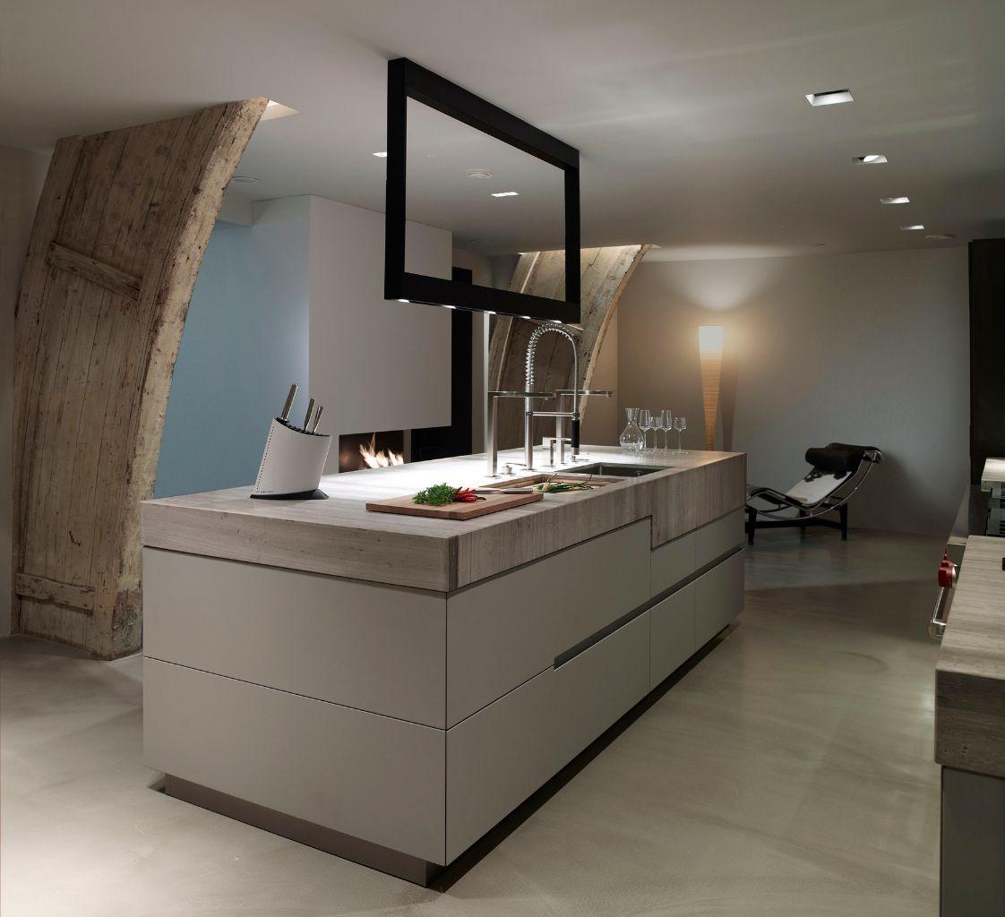 Culimaat Unum keukenconcept met inbouwapparatuur van Sub Zero, fornuis van Wolf en haard van Boley
