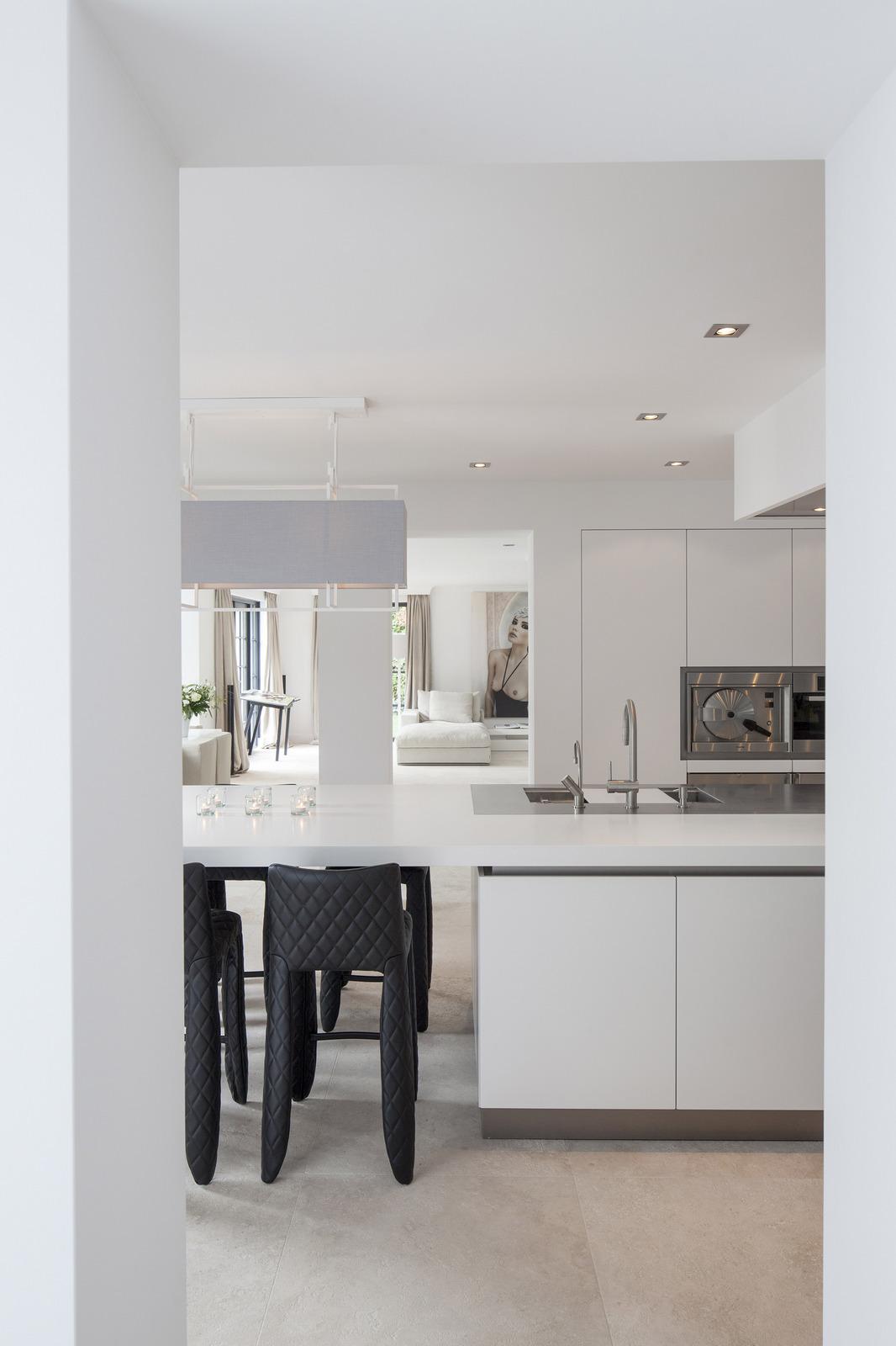 Interieur met culimaat keuken Verturo met corian werkblad