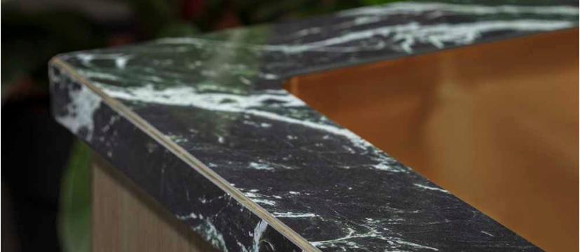 Randafwerking van het keukenblad is de finishing touch #randafwerking #keukenblad #joca #dekkerzevenhuizen