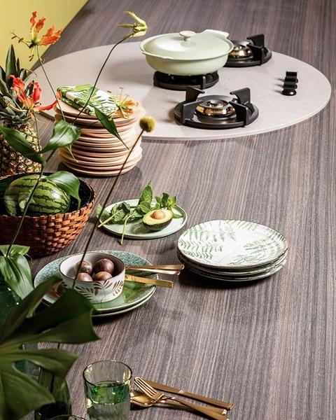 Keukentrend 2018 - Ethnic Nature met Pitt cooking in een werkblad van Dekker Zevenhuizen #keukentrend #pittcooking #dekkerzevenhuizen #werkblad #koken