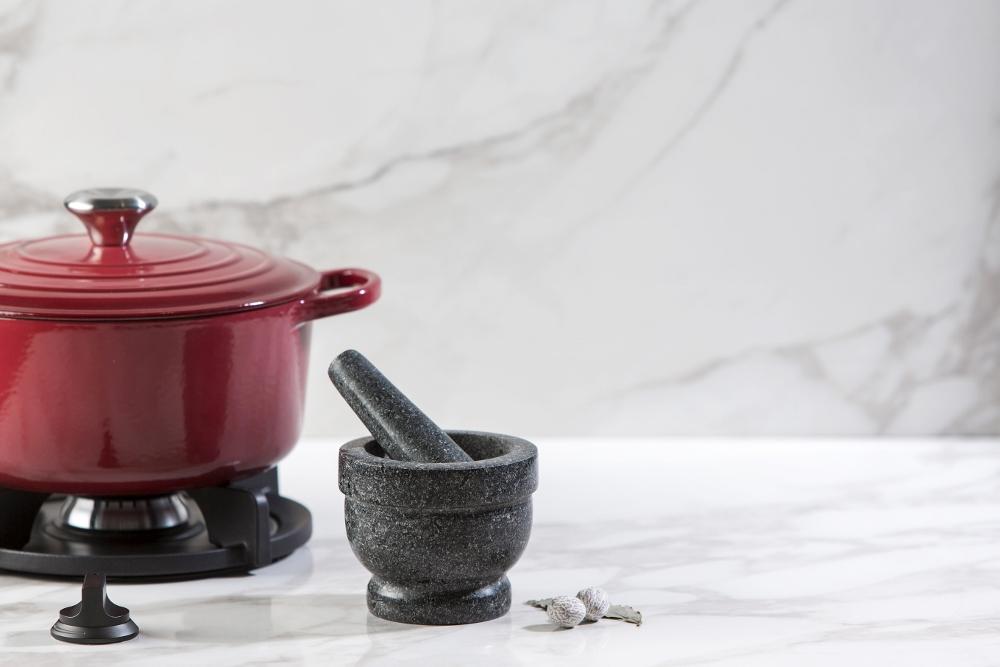 Werkblad hoogglans keramiek met marmer-look. Ook mooi als bar of keukentafel - European Ceramics van dekker Zevenhuizen