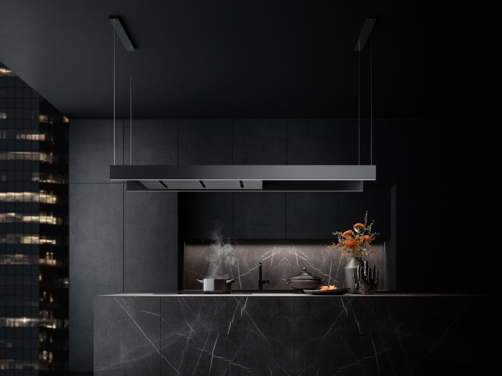 Ultracompacte eilandkap boven kookeiland. Falmec Light afzuigkap met led-verlichting in moderne zwarte keuken #keuken #kookeiland #falmec #eilandkap #afzuigkap #light #modern #design