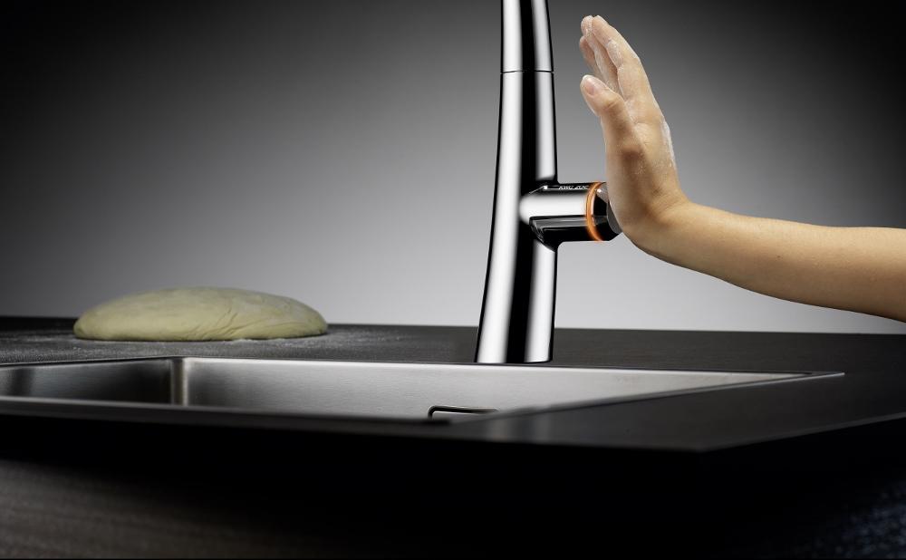 KWC Zoe touch light pro van Franke. De elektronisch aangestuurde mengkraan die met slechts een vingertip te bedienen is.